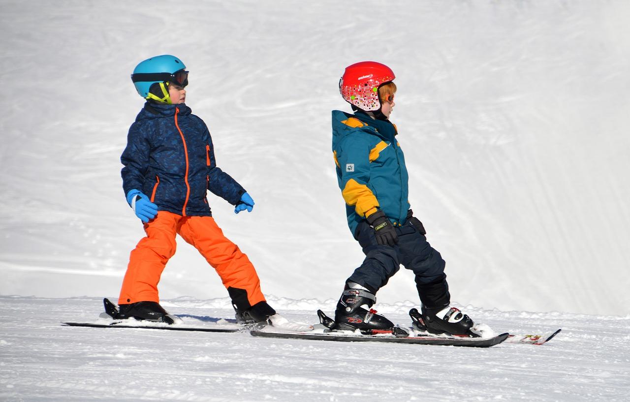 Ski: 5 idées de sorties en famille, à la journée et sans se ruiner