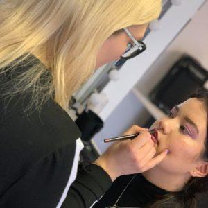 Un atelier maquillage